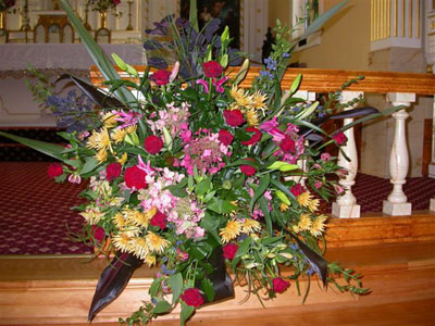 Wedding at St.Anne's Chapel  roses  viburnum  hydrangeas  mums  oriental lillies  and  alstro