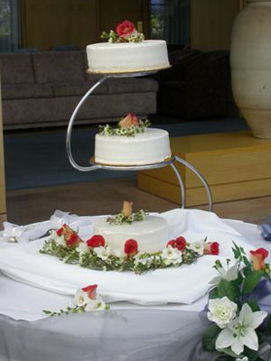 Wedding cake decoration; maybe you just want a few blossoms to accent that beautifully decorated cake!